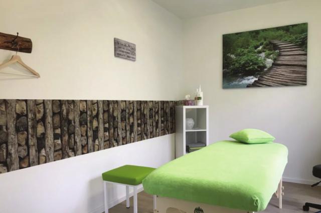 Gewohnt gut, Teltow - Physiotherapie im Erdgeschoss