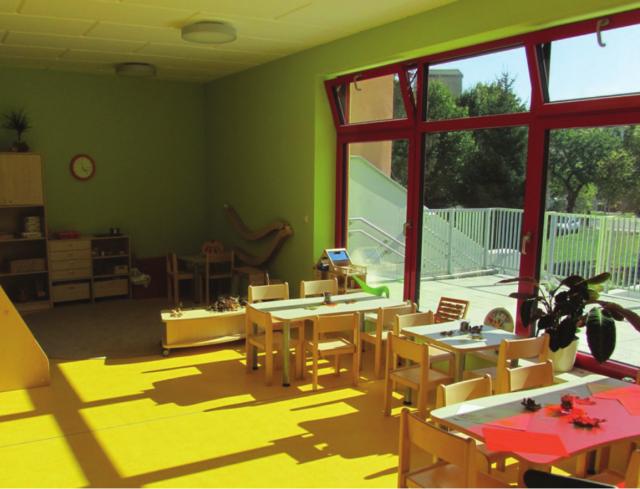 Innerstädtische Kita Zittau - lichtdurchfluteter Gruppenraum mit Ausrichtung zum Garten