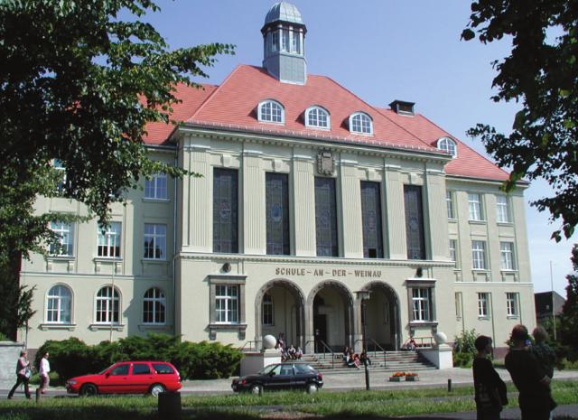 Weinauschule Zittau - Ansicht Weinauallee (Hauptzugang)