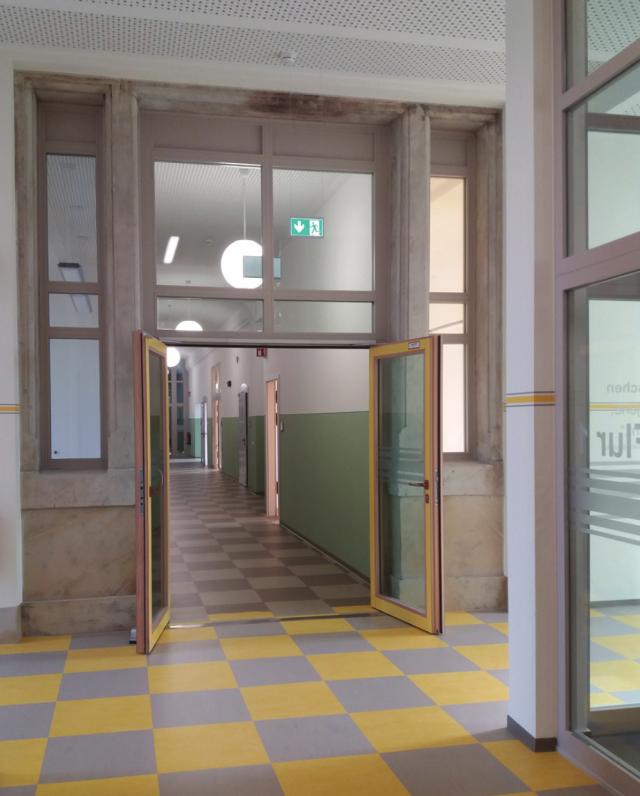Schliebenschule Zittau - Flur Übergang