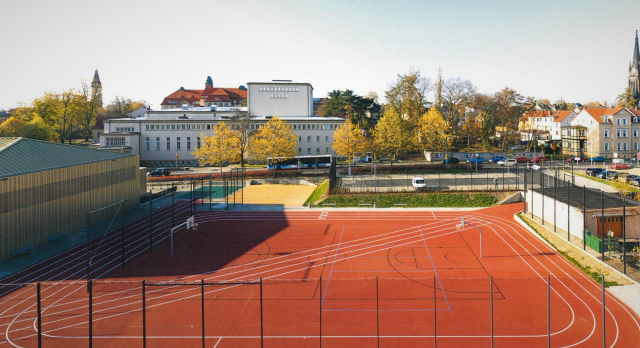 Freianlagen Hauptturnhalle Zittau - Blick auf die Außensportanlage