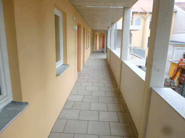 Gemeinschaftliches Wohnen, Ostritz - Laubengang mit Aufzug