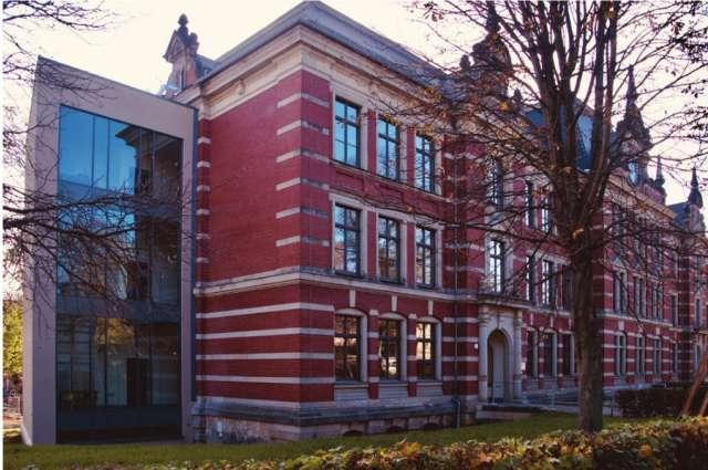 Parkschule Zittau - Fertigstellung des Zwischenbaus an der historischen Fassade
