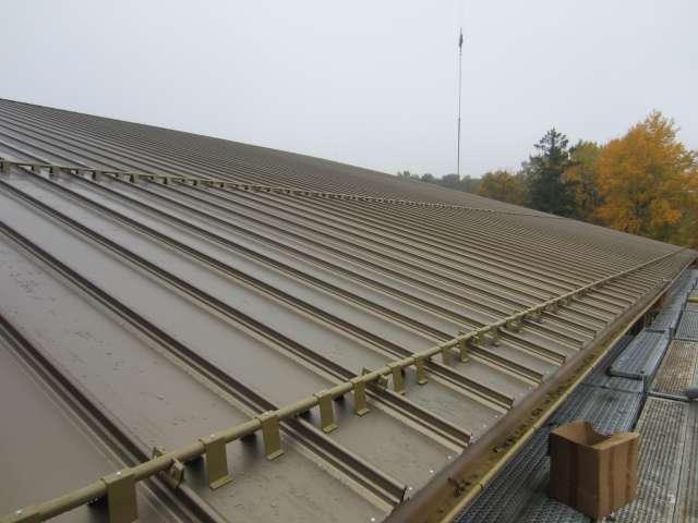 TRIXI-Allwetterbad - neue Dachdeckung auf allen Hauptdächern des TRIXI