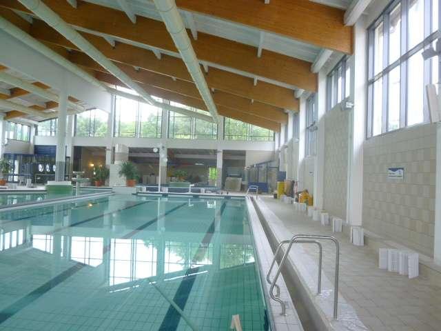 TRIXI-Allwetterbad - erneuerte Glasfassade